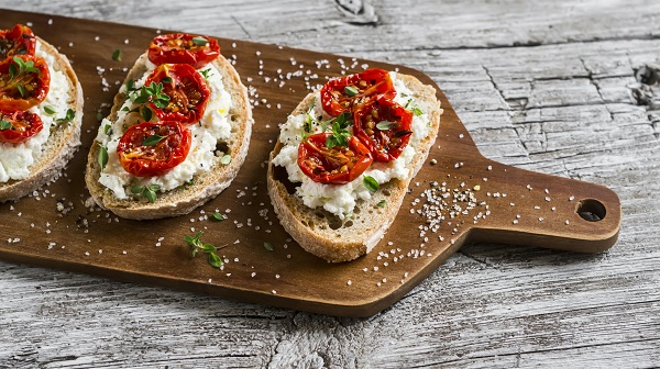 bruschetta bread with tomato and cheese
