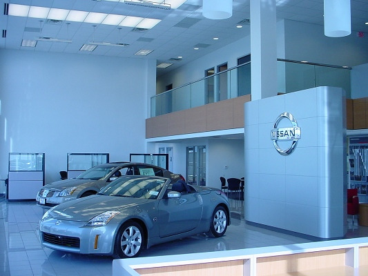 Bates-Nissan-Dealership-Showroom