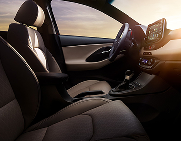 2019 Hyundai Elantra GT Interior | Downtown Hyundai | Toronto, ON
